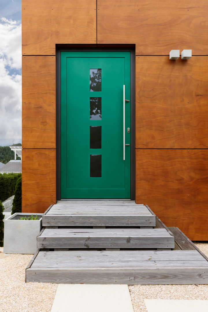 Front door that is painted green