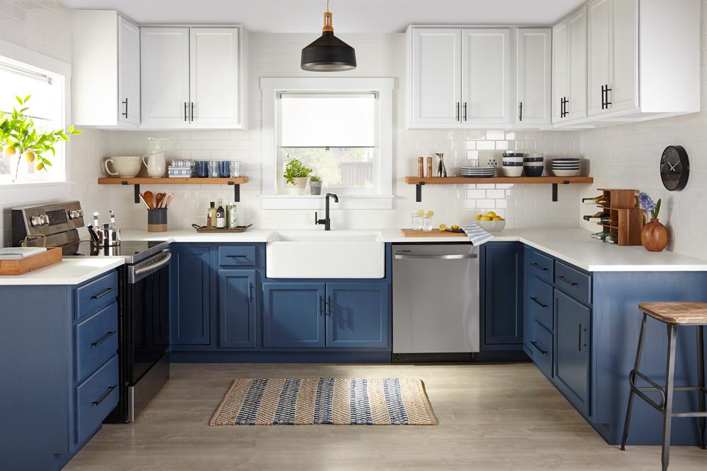 Pro Spotlight: Tom Kraeutler Talks Kitchen Cabinets - Full Kitchen