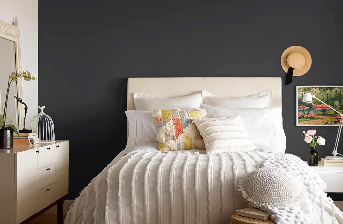 How To Paint A Dark Accent Wall The Perfect Finish Blog By Kilz